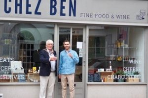 Mayor welcomes new business to Marlow